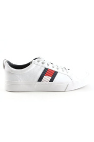 Flag Detail Leather Sneakers FM0FM01712-100