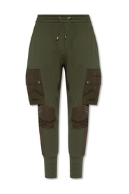 Trousers with pockets