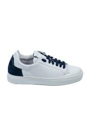 Magnum Sneakers