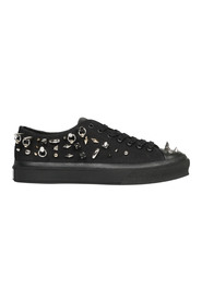 STUDS CITY LOW SNEAKERS