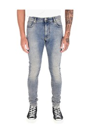 'Essential' Jeans