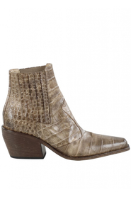 Boots 372-33-121288
