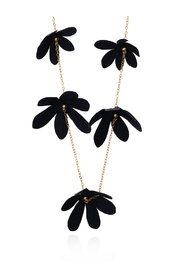 Floral motif necklace