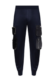 Sweatpants with several pockets