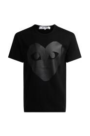 T-shirt Play girocollo di colore nero, con stampa cuore