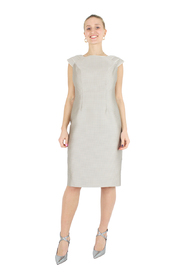 Round neck dress, half sleeves, zip closure on the back.