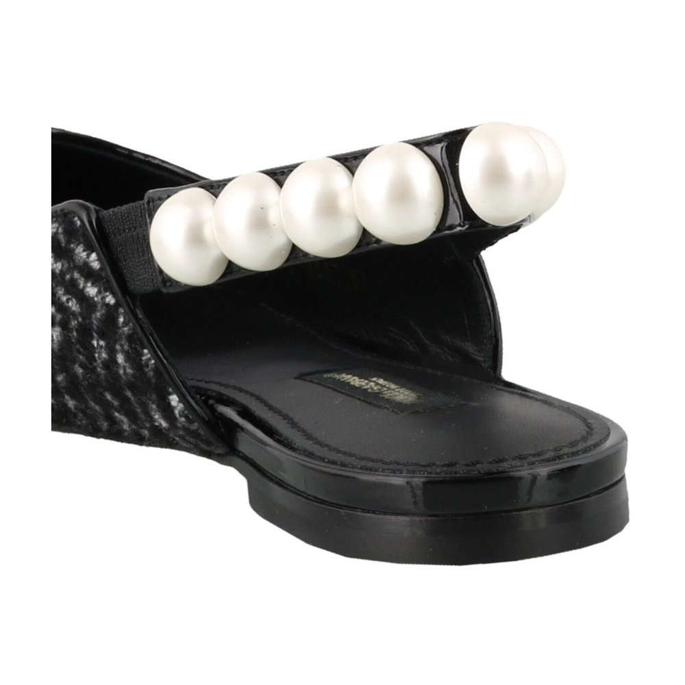 Dolce & Gabbana Black Slippers with pearls Dolce & Gabbana