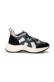 Sneakers H585
