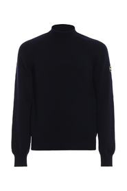 Virgin wool crew neck