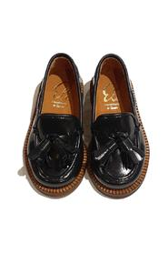 SHINY LOAFER WITH POINTED TASSELS