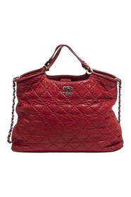 Front Logo Chain Tote