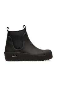 Boots Gadey