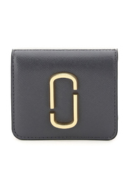 Snapshot mini wallet with coin pocket