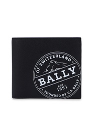 Bifold wallet with logo