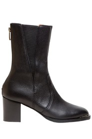 The Diana boots