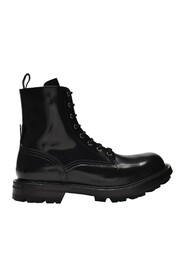 Laced Boots Patent Leather