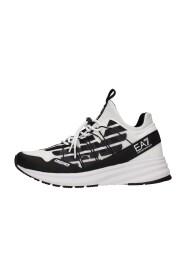 X8X092 Sneakers