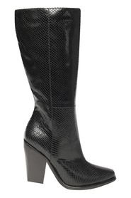Leather boot with heel