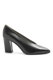 CALPIERRE With Heel Black