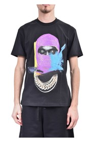 T-shirt whit mask painted