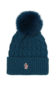 Rib-knit hat with patch