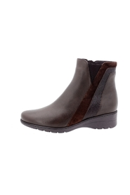 M: 2020597303009 LEATHER ANKLE BOOT