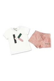 outfit with t-shirt & shorts