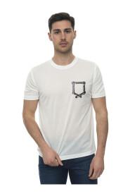 Round-necked T-shirt