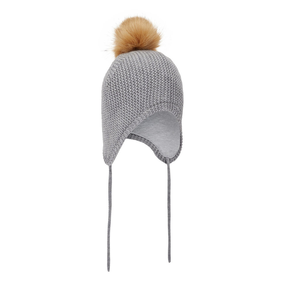 Hat knitted wool