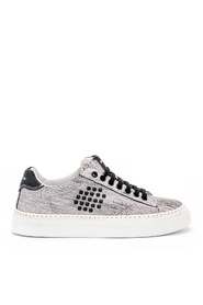 Veeshoes Track02 black and white leather sneaker