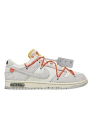 Dunk Low Sneakers Lot 33