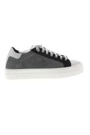 thea-w sneaker