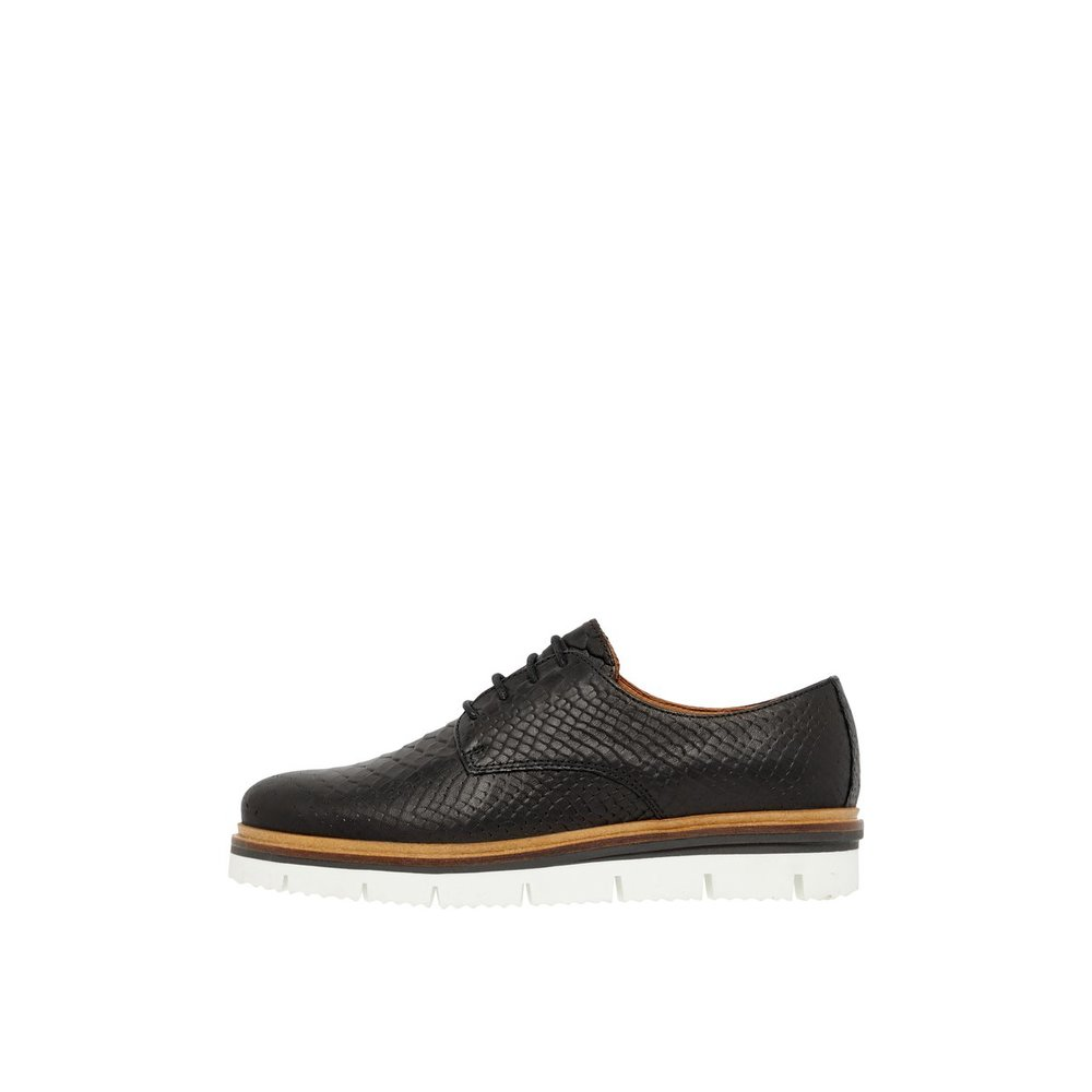 Derby Shoes Inn. Lace-up