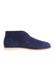 Suede ankle boot with light para sole and contrasting welt