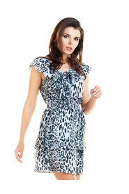 Sukienka z falbaną przy dekolcie