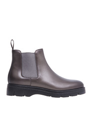 Chelsea boot in laminated leather