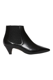 Low heel leather ankle boot