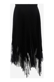Skirt with lace trim in crepe