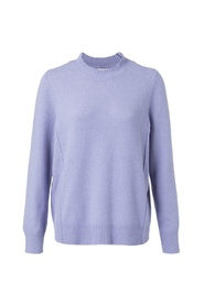 Sweater with seamlines