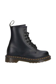 1460 Smooth 8 Eye Z Welt boots