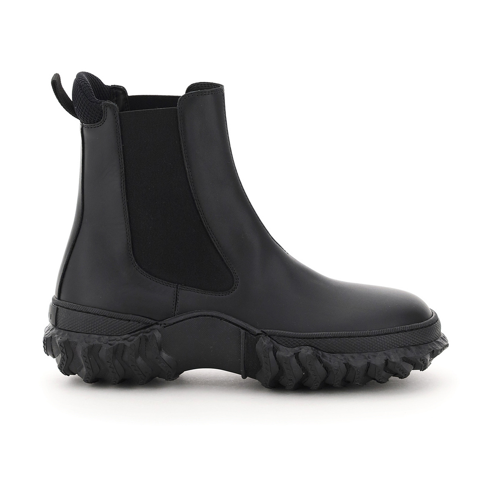 Chelsea boots with wavy sole