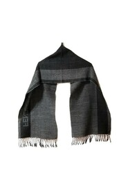 Pre-owned Scarf