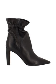 Nappa ankle boots with curl