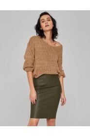 Sweter o luźnym splocie