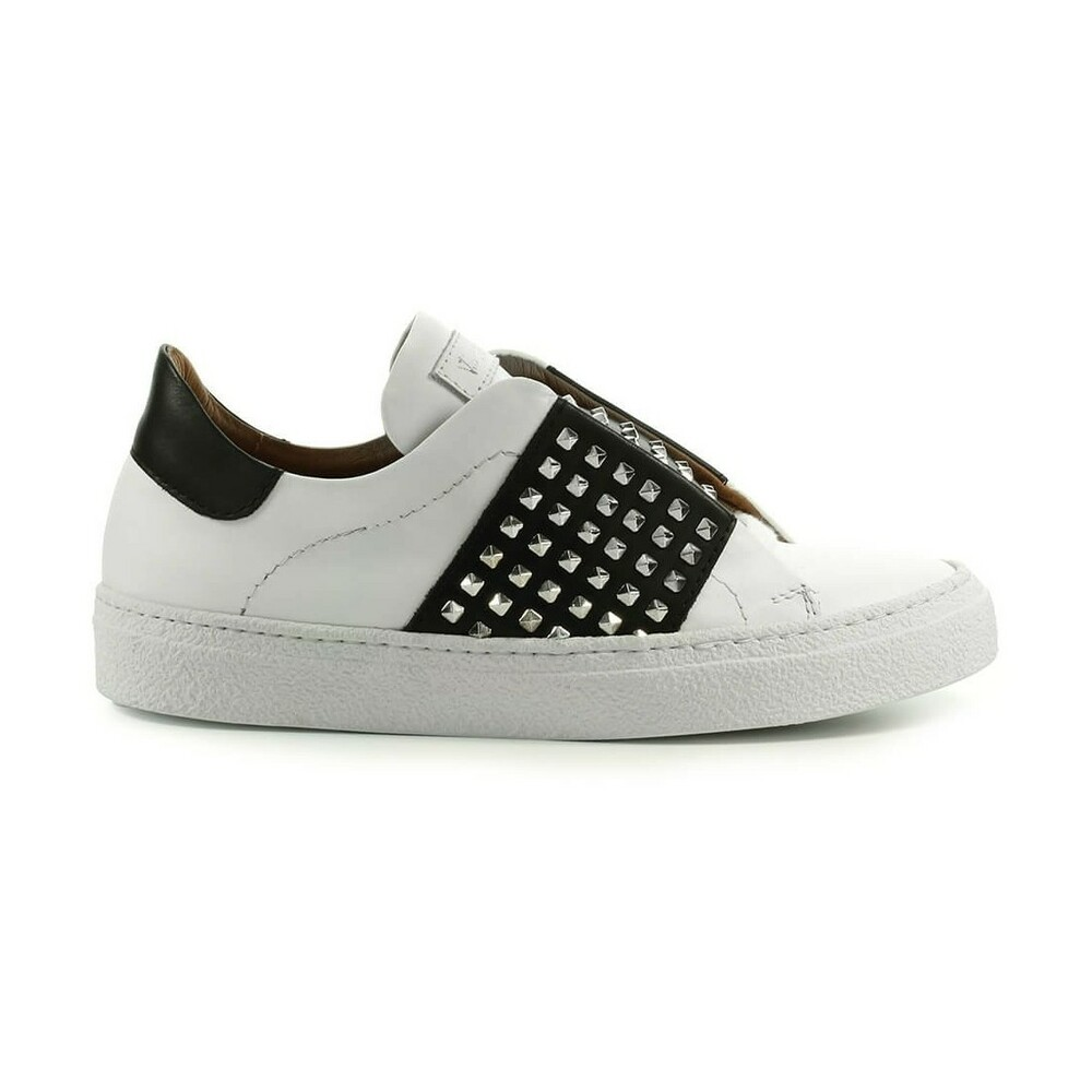 SNEAKER WITH STUDS