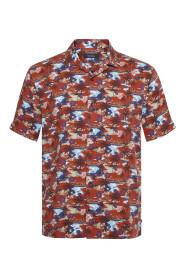 Trostol resort 2 Shirt