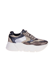 Klädda Sneaker