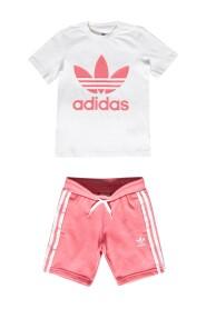 T-shirt & sved shorts sæt