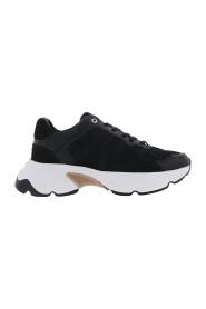 Ross Trek (L) sneakers