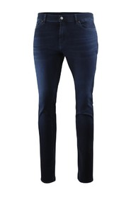 Ronnie Luxe Performance Washed Jeans